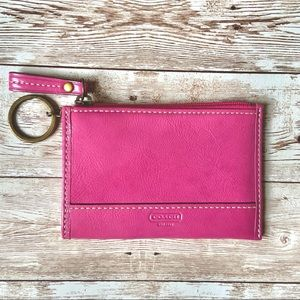 COACH PINK KEY CHAIN WALLET PATENT LEATHER